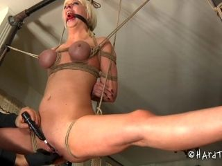 Bondage pussy getting widened lovely in BDSM torture