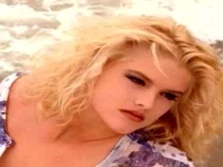 Anna Nicole Smith Looking As Amazing As She Always Did