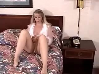 Mature Babe Meets Up With A Younger Guy In A Hotel Room (2)