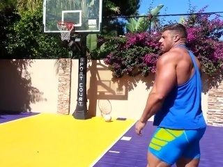 MUSCLE BASKETBALL
