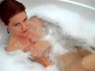 Stepmother Seduced In Bathroom