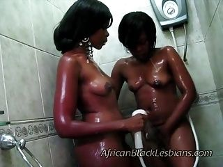 2 big booty African share hot shower (2)