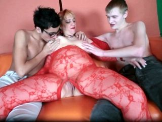 Hardcore Fat Mom And Two Skinny Boys
