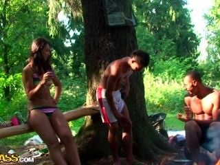 Olympia & Roxi & Veronica in real college sex video made in the outdoors (5)
