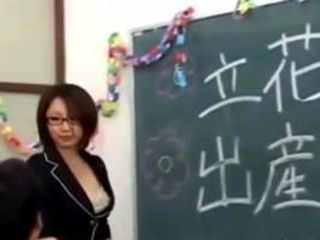 Asian Cutie And A Bunch Of Guys In The Class (4)