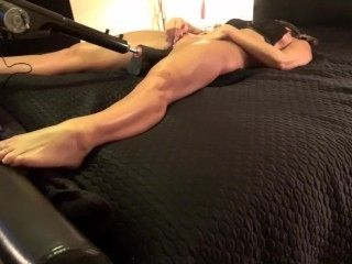 TANNED AMATEUR FUCKS THICK DILDO MACHINE GREAT ORGASMS