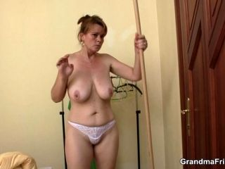 Party Threesome With Old Woman (4)