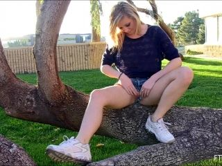 Amateur Teen In Short Blue Jeans Plays With Pussy Outdoors In Public