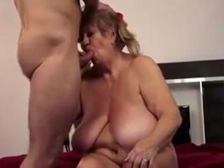hausfrau ficken housewife gets her mature pussy boned hard