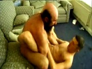 dicklovers.tumblr.com - [Daddy] Daddy Bear follar chico
