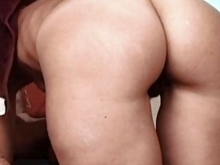 Homemade Anal : Skinny Milf beauty with the best ass