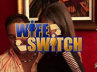 Bianca Dagger, Rachel Roxxx in Wife Switch