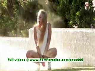 Liz Hot Blonde Woman Getting Nake In The Great Outdoor