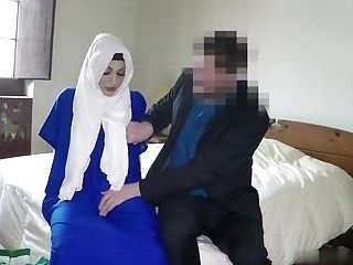 Hijab Girl Fucked by a White Guy