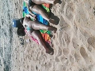 Candid Nice Ass Teens Ass up at the beach