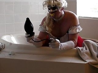Sissy Kristen Gaping Ass With 12 Inch Black Cock (6)