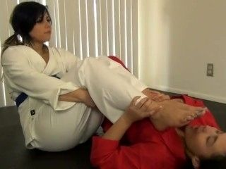 IVY'S FOOT SMELLING KARATE TRAINING WITH ILIANA