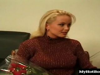 Pretty Silvia Saint looks irresistable in her sexy lingerie (2)