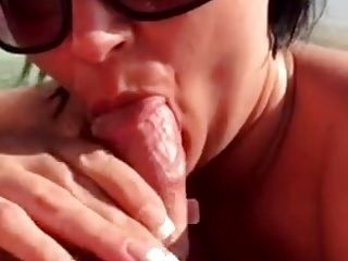 Lustful wife gives ocean blowjob & swallows jizz Amateur Coo