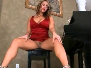 Hot MILF with Perfect Legs Toys with her Wet Snatch
