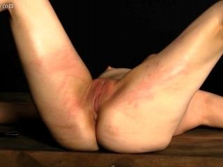 dr Lomp World - Casual love tunnel whipping (3)