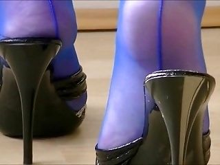 Mature Mules Play In Electric Blue Seamed Stockings
