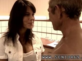 Old ebony granny fucked first time Dokter Petra is inspecting the