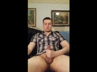 Straight Amateur Guy Jerking Off