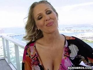 Hardcore Pussy Drilling Sex With Julia Ann