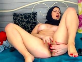 Hijab Muslim webcam girl strips and play with ass & pussy