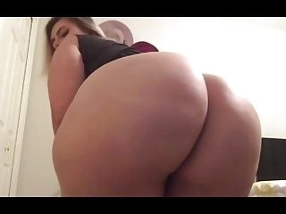 Sabella Monize Clapping and Farting