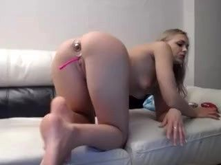 Hot White Girl With Thick Ass Does Anal Then Poops Out The Dildo