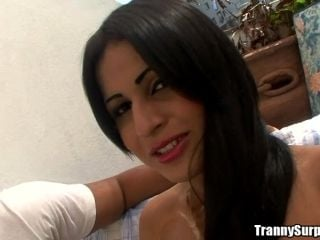 Sexo intenso con el transexual sexy Bruna Butterfly