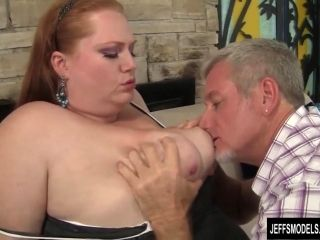 Plumper queen Julie Ann More gets her pussy pounded hard. (7)