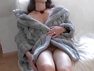 Busty Tina - (Fake) Fur (SC please don't delete) (2)