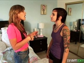 Punk Takes The Lead In A Hot Lesbian Scene With A Beauty