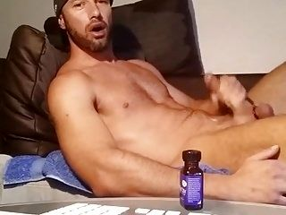 CUMSHOT AFTER DOING CAMSHOW