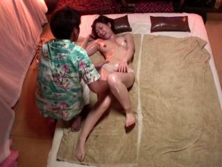 Subtitled Japanese massage clinic busty woman oil treatment (5)