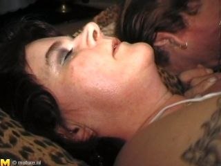 Elaine Has A Shaved Slit And Can't Wait For The Guy To Lick It! (2)