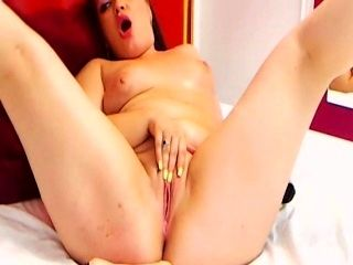 Bad Girl Lady Adelle Caught on Free Cam (8)