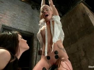 Adorable Lorelei Lee gets wired and tortured by Bobbi Starr